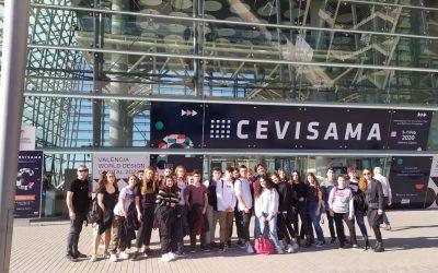 Los alumnos de bachillerato artístico en la Feria de cerámica CEVISAMA